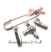 Spilla Parrucchiera - Con Phon - Asciugacapelli, pettine e lacca - handmade miniature idea regalo