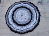Tappeto artigianale rotondo tappetino bianco grigio nero, diametro 62cm, ottimo come copertina per animali o in bagno