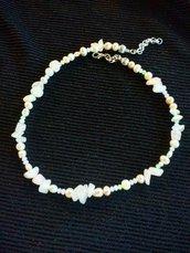 Collana pietre dure agata rosa ,perle di fiume naturali ,cristalli
