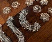 Fiori o rosette, foglie e chiodi in vetro, pezzi di ricambio per specchi Veneziani e non , in vetro soffiato di Murano, color trasparente o colorati