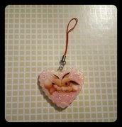 portachiavi a forma di cuore con sticker dei pokemon, fatto a mano con resina epossidica