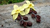 Orecchini fiori vaniglia chicchi caffè modellati  a mano anallergici acciaio alluminio gioielli artistici artigianali