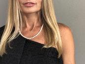 Collana classica di perle bianche, annodate in pura seta, realizzata a mano. Regalo per la sposa. *Spedizione gratuita*