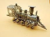 Vecchio modello di  locomotiva a carbone