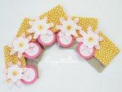 10 Sacchetti porta confetti in cotone e lino decorati con fiori in feltro e tag come bomboniera per la vostra bambina!