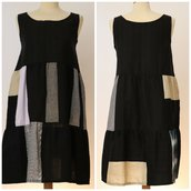 Vestito patchwork da donna, corto, in lino e cotone; fatto a mano.