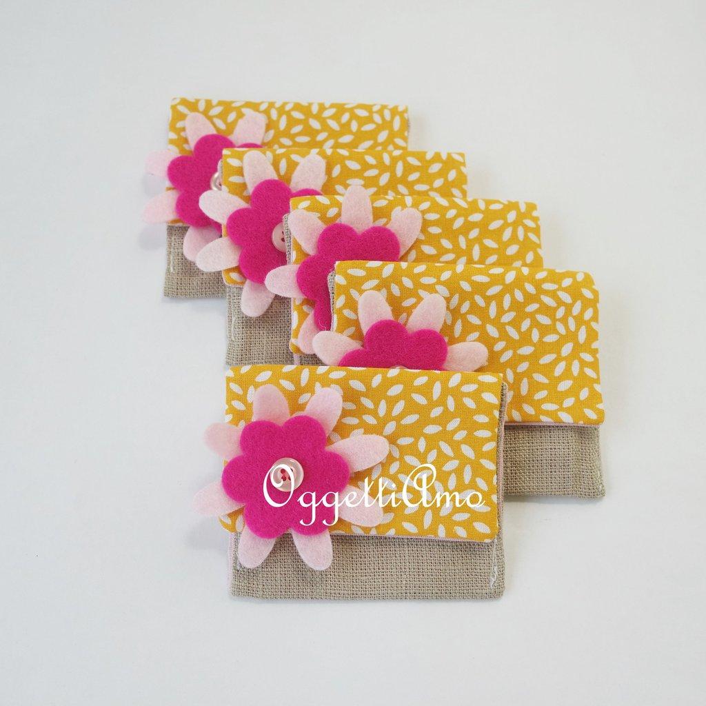 set di 30 sacchetti portaconfetti per le bomboniere della tua bambina: sacchetti per confetti fatti a mano e personalizzabili per lei!