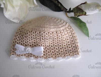Cappellino beige/fiocco bianco neonato neonata cotone all'uncinetto