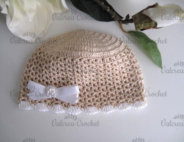 Cappellino beige fiocco bianco neonato neonata cotone all uncinetto ... 4d757faaac43
