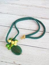 Collana lunga verde e gialla