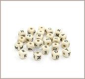 Lotto 100 lettere alfabeto 10 mm. cubi in legno naturale