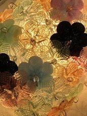 Fiori, rose o rosette, pezzi di ricambio per specchi e plafoniere , in vetro soffiato di Murano e chiodi per essere appese allo specchio o alla plafoniera