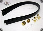 Kit per borsa fai da te: 2 Manici 55 cm. in similpelle nera, 4 piedini e 1 chiusura calamita, colore oro