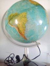 lampada a mappamondo
