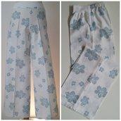Pantalone dritto in misto lino/cotone, con elastico; fatto a mano.