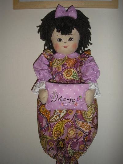 Bambola porta sacchetti personalizzata per la casa e per - Porta sacchetti ...