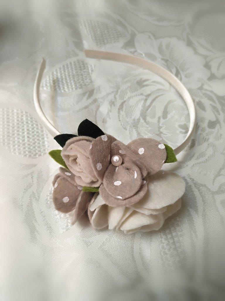 Cerchietto per capelli con rose