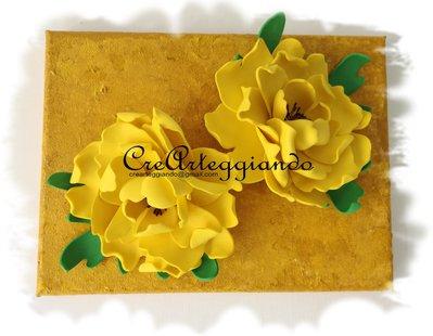 Quadretto su tela con peonie gialle
