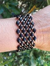 il braccialetto oro e nero