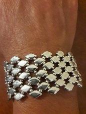 Il braccialetto argentato