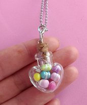 Collana bottiglietta cuore macarons