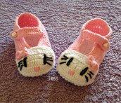 Scarpine per neonata - cartoni animati realizzate a uncinetto con cotone al 100% italiano