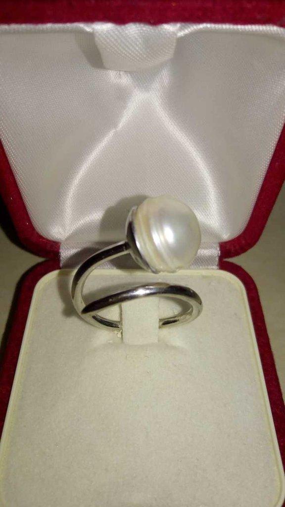 Anello moda perla bianca