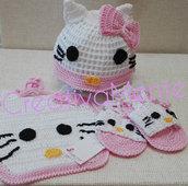 Corredino realizzato all'uncinetto Hello Kitty 0/3 mesi