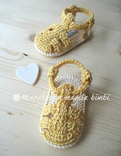 Sandali neonato/bambino in cotone giallo vaniglia - uncinetto - fatto a mano