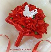 Bouquet di rose di raso rosso laurea