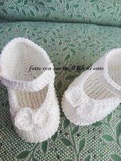 Scarpine bambina in puro cotone bianco panna con fiocco