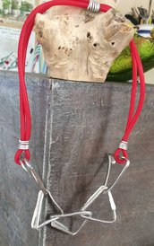 Collana in alluminio e caucciù