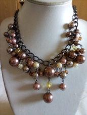 Collana in bronzo con perline marroni