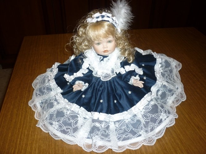 Bambola in porcellana Bisquit ALESSIA