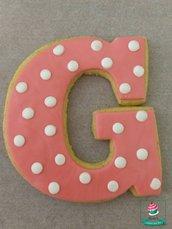 biscotti con iniziale decorati tema Minnie