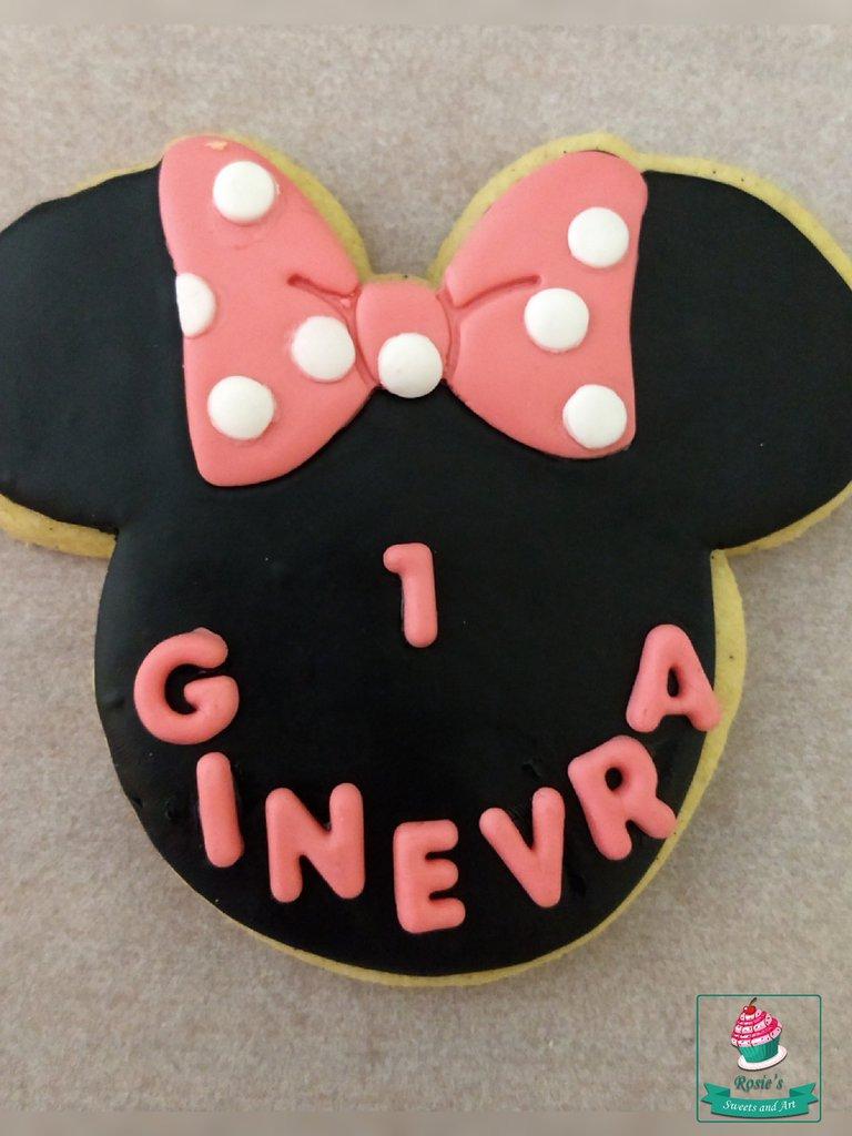 Biscotto a tema Minnie con nome