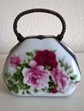 Scatolina in ceramica a forma di borsa