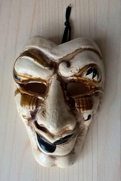 Maschera decorativa ceramica