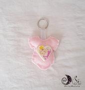 bomboniere portachiavi tutine nascita rosa per bimba personalizzabile
