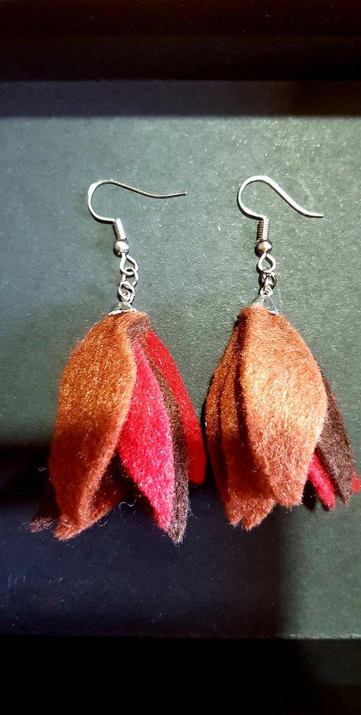 Orecchini pendenti con foglie autunnali