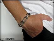 Bracciale uomo, cuoio nero inciso con due grandi maglie di catena, idea regalo