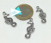 Charm cavalluccio marino, argento tibetano