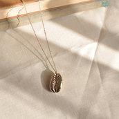 Collana lunga in argento conchiglia cowrie dorata - Argento 925 dorato - Gioielli tendenza - Tendenza conchiglie - Conchiglie dorate