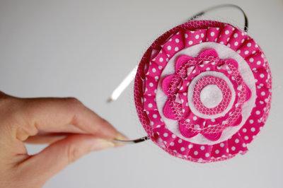 Tocado o broche Lunares Rosa