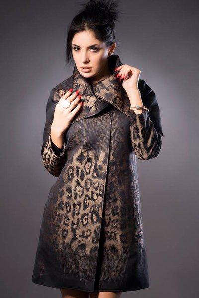 Cartamodello in taglia standard cappottino doppio petto con collo avvolgente
