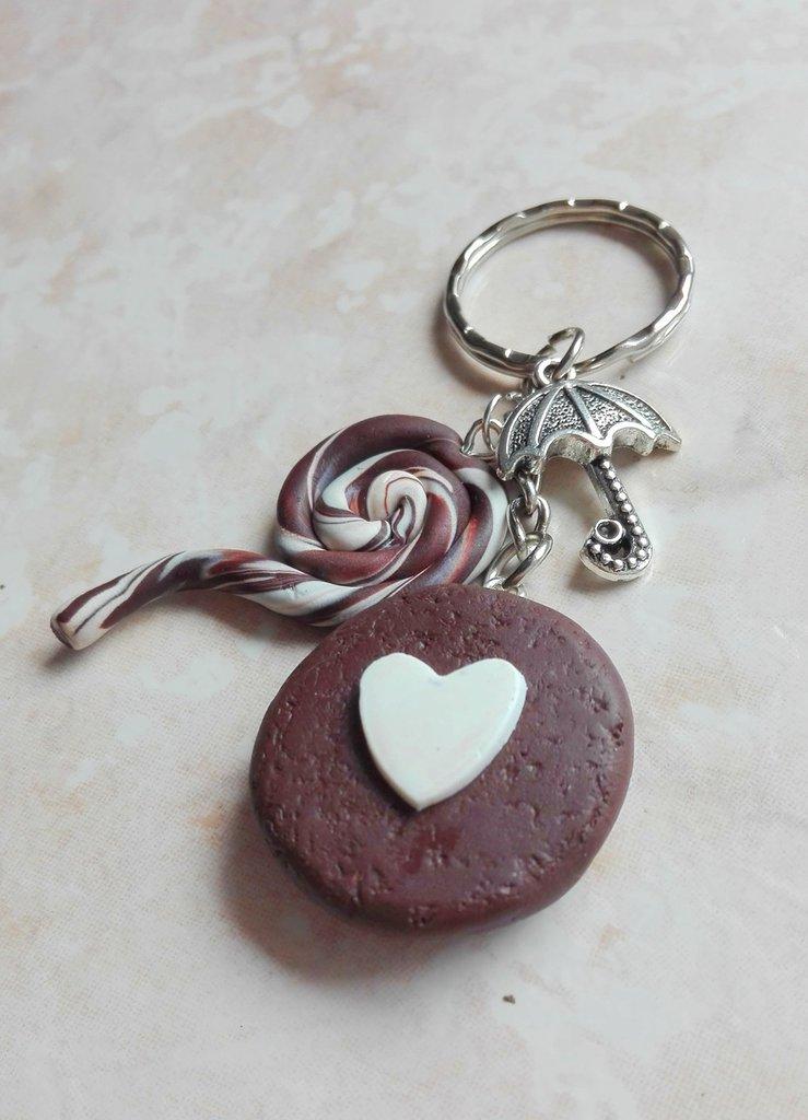 Portachiavi biscotto con cuore, leccalecca e chram ombrello