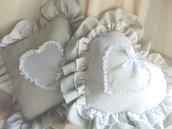 Coppia di cuscini romantici pois e righe