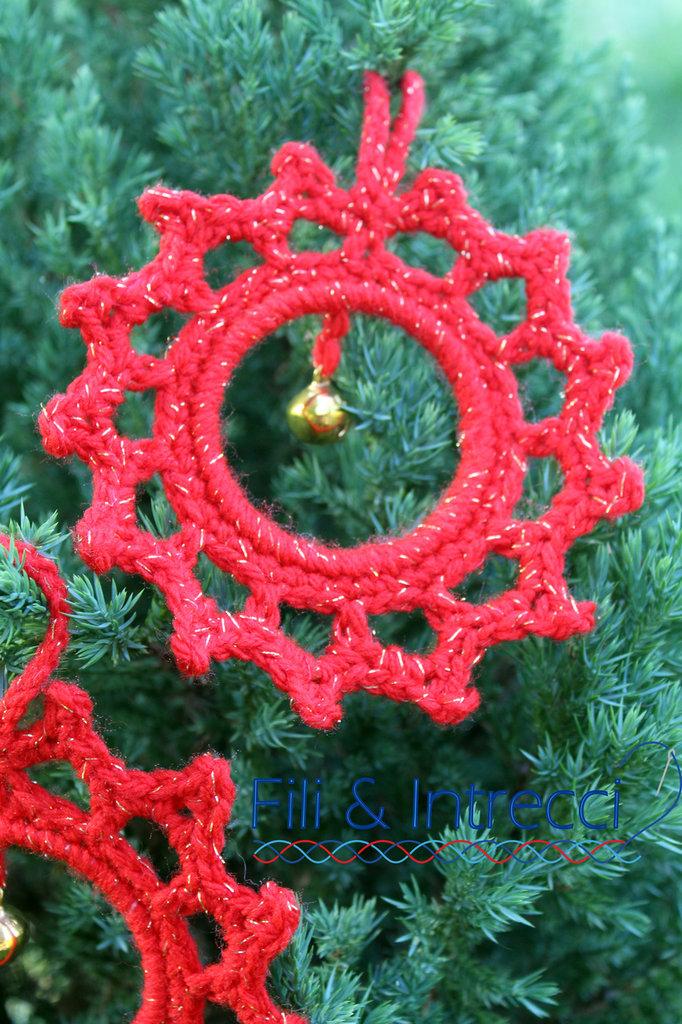 Albero Di Natale Uncinetto.Addobbo Per Albero Di Natale Fatto A Mano All Uncinetto
