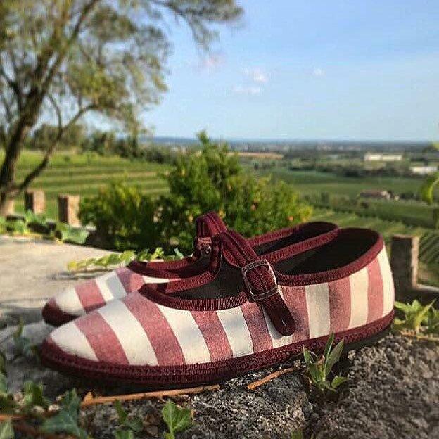 Scarpe a Righe in Lino Naturale