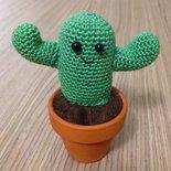 Cactus kawaii amigurumi in vaso, fatto a mano all'uncinetto